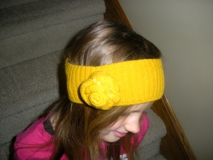 DIY Headband (refashioned from a sweater) | Diary of a MadMama