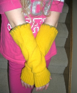 Fingerless gloves out of a refashioned sweater | Diary of a MadMama