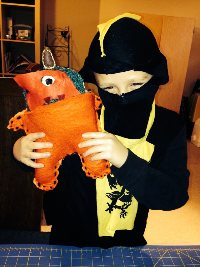 Felt Halloween Costume For a Stuffed Animal (made by an 8 y.o.) | Diary of a MadMama