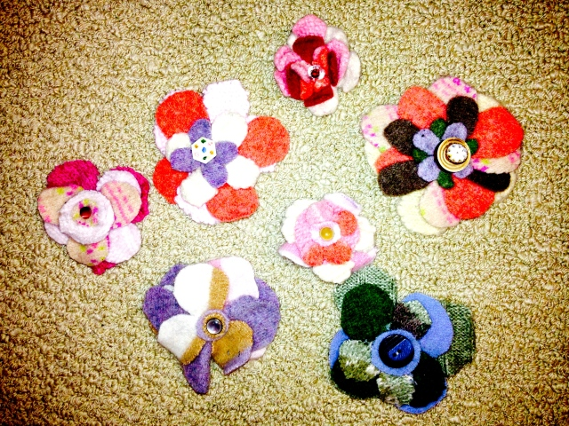 Flower Pins Made From Refashioned Wool Sweaters | Diary of a MadMama