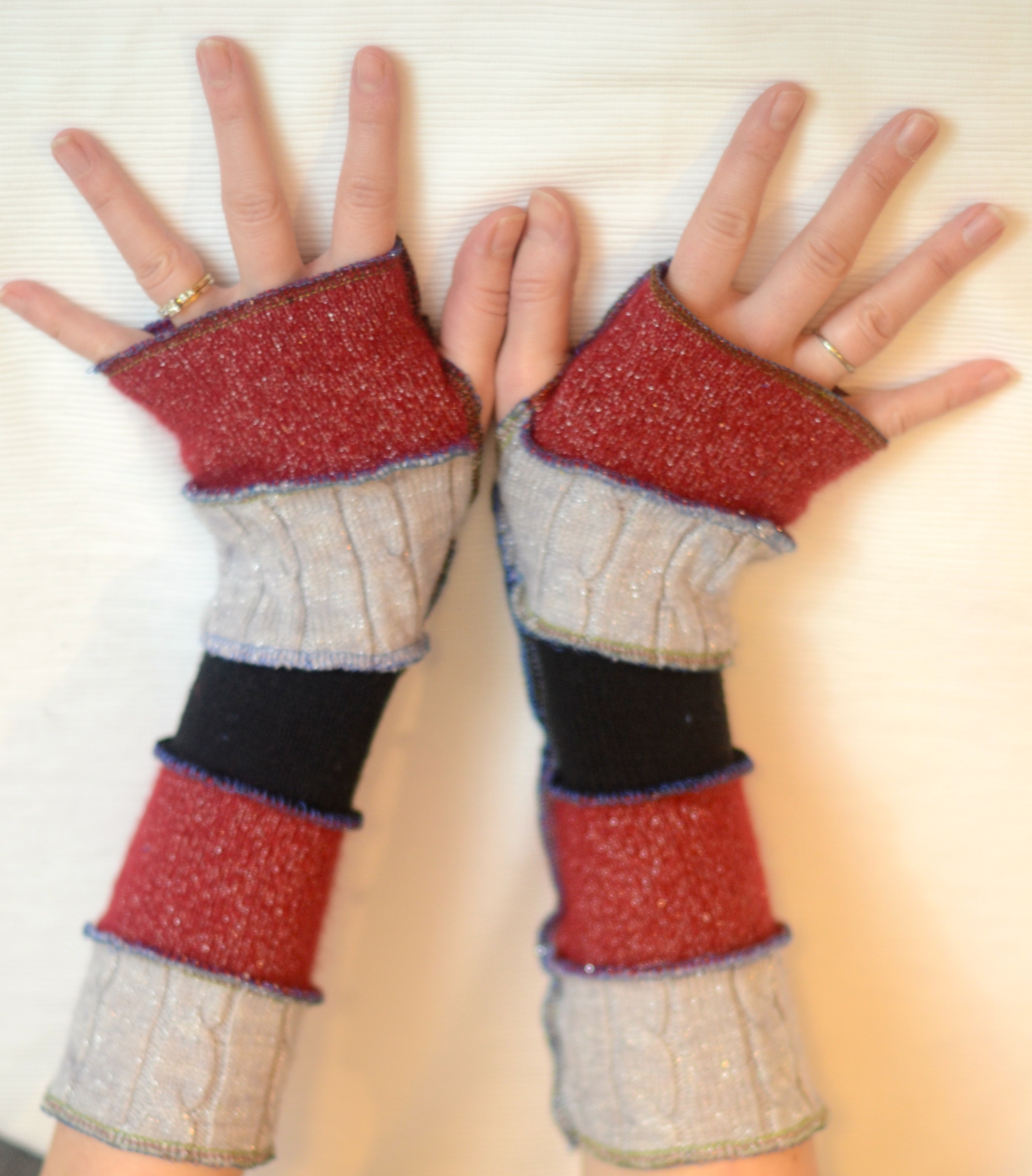 49 cent friday refashion fingerless gloves tutorial diary of a refashioned fingerless gloves tutorial diary of a madmama jeuxipadfo Image collections